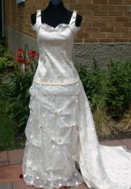 Robe de mariée, style 1880
